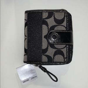 Coach mini wallet new with tags